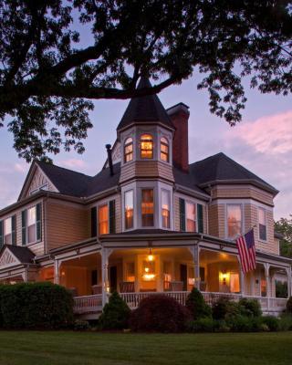 The Oaks Victorian Inn