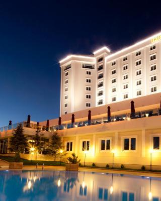 فندق & سبا إقبال ثيرمال أفيون