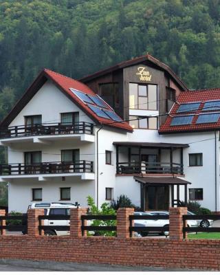 Zan Hotel