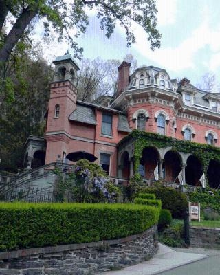 The Harry Packer Mansion Inn
