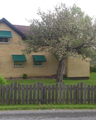 Flahult Holiday Home