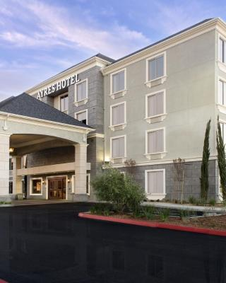 فندق ايريس هنتنغتون بيتش/ فاونشون فالي