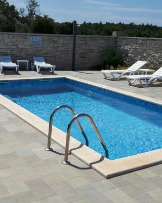 Apartments & Rooms Villa Adamović