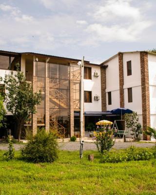 فندق Shaloshvili's Cellar
