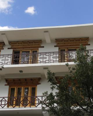 Mentokling Guest House and Garden Restaurant