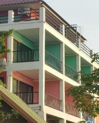 Ocean View Resort - Koh Sichang