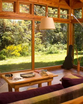 El Aura Lodge