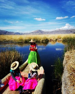 Paraje Del Titicaca Los Uros