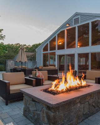 Rockport Inn and Suites