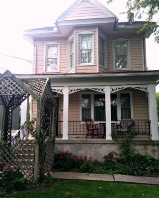 Hillcrest Bed and Breakfast