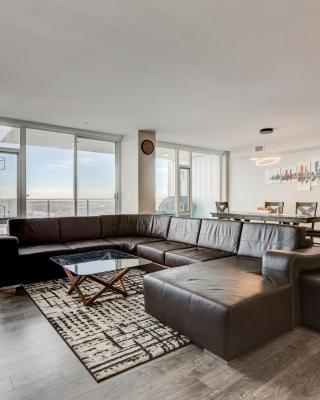 Luxury Sub-Penthouse – Downtown Riverfront