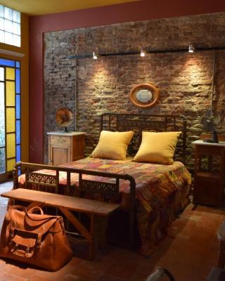 Vintage Rooms/Historical Building
