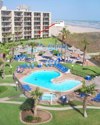 Beachside Condo Sleeps 6