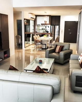 Luxurious Holiday Apartment