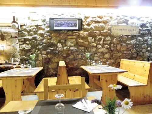 Booking.com: Hoteles en Baro. ¡Reservá tu hotel ahora!