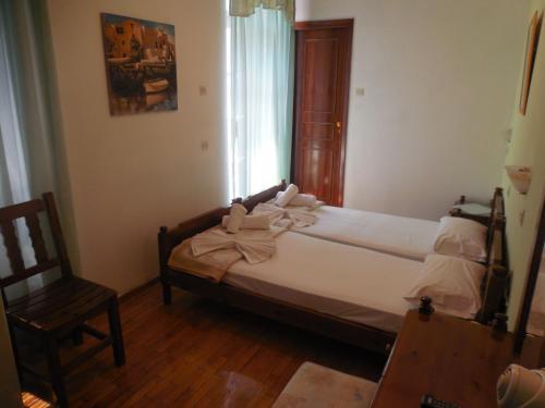 Adonis Rooms