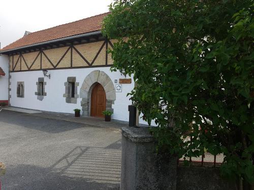 Booking.com: Casa Rural Oihan - Eder , Espinal-Auzperri ...