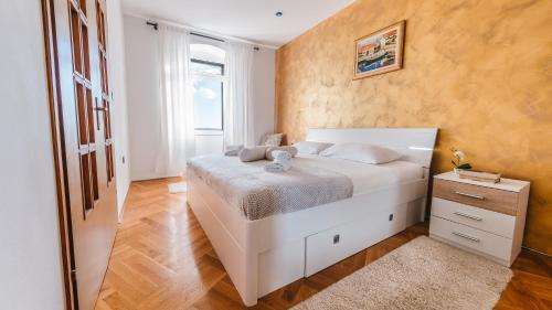 Apartment Sea View Obala Trumbića