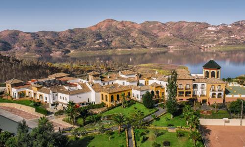 Los 10 mejores hoteles con pileta en Viñuela, España ...