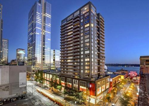 Newmark Seattle Luxury Retreat - One Bedroom Apartment