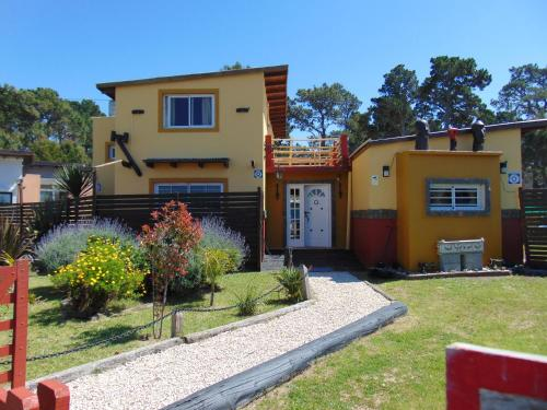 Casa de Campo La Maribel (Argentina La Lucila del Mar ...