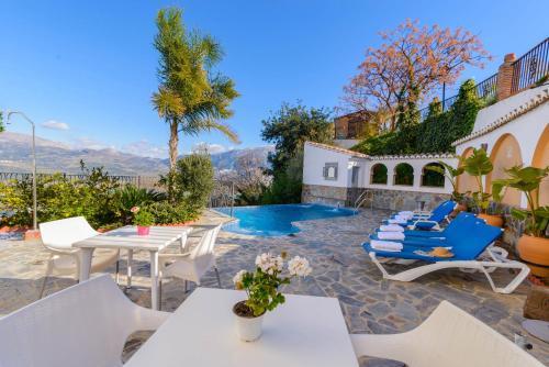 Booking.com: Hoteles en Los Romanes. ¡Reservá tu hotel ahora!