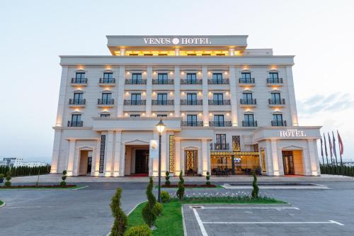 Los 10 mejores hoteles 5 estrellas en Pristina, Kosovo ...