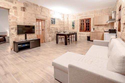 120 Lapsi Apartments