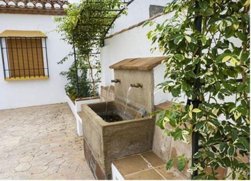 Booking.com: Hoteles en Almáchar. ¡Reservá tu hotel ahora!