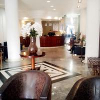 River Palace Hotel