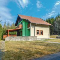 Six-Bedroom Holiday Home in Mlynky
