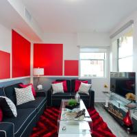 Popular Hollywood Blvd Deluxe Suite