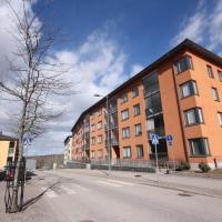 Stunning three bedroom apartment with a glazed balcony, sauna and a parking lot in Tuomarila. (ID 8322)
