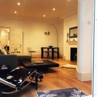 Stunning modern two bed two bath in Knightsbridge