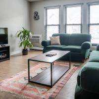 North Farwell Apartment