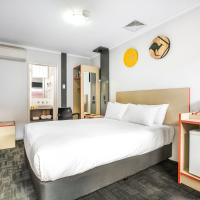 Nightcap at Jamison Hotel