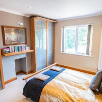 Quirky, Bright Double Room w/ Shared Patio and Garden