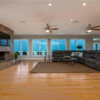 Beachfront Sapphire, 6 Bedrooms, Ocean Front, Pet Friendly, WiFi, Sleeps 14