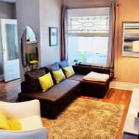 Amazing New House in Trendy Toronto Neighborhood