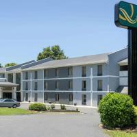 Quality Inn Airport-Near Uptown