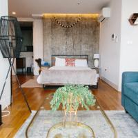 Luxury Williamsburg 3 Bedroom Apartment with Balcony