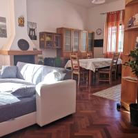 4 Bedrooms flat next to Station