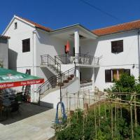 Apartment and Room Ivica
