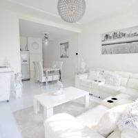 White Luxury Penthouse in City Centre
