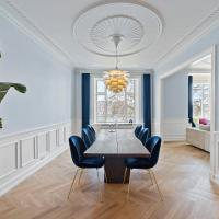 Majestic 180 m2 apartment in heart of CPH with beautiful lake view