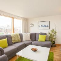 Modern 2 Bedroom City Flat with Private Parking