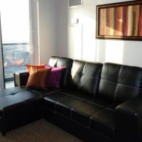 Elite Suites - Square One View Comfort Suite