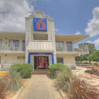 Motel 6 San Antonio - Fiesta