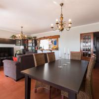 """""""HomeySuite"""" in Estoril Beach Apartment"""