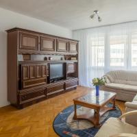 Central Luxurious Spacious Suite